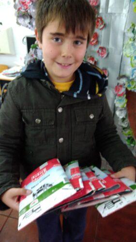 Toda a comunidade ajudou a reunir quase 400 embalagens de leite, sumo e embalagens da marca Guloso.