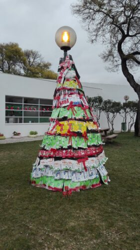 A conclusão da árvore Natal Guloso segundo o regulamento do concurso