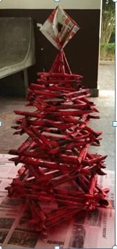 A árvore já está pintada de vermelho