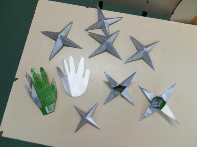 Mãos e Estrelas.