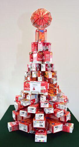 Processo de construção da árvore de Natal gulosa