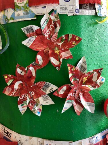 Flores de natal em embalagens Guloso.