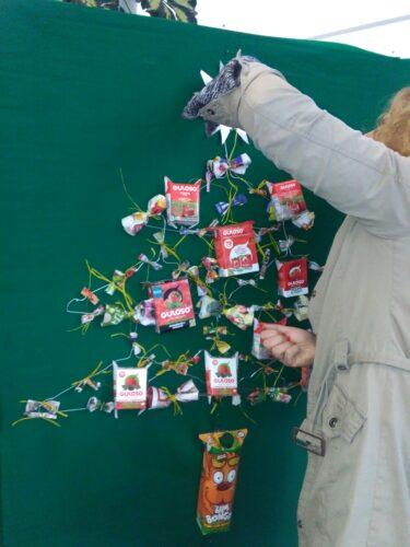 Colocação da estrela com o símbolo Eco-escolas.
