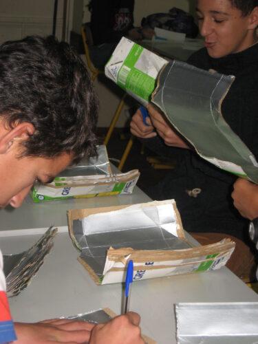 Reprodução do molde e corte das embalagens.