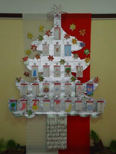 Vista frontal da Árvore de Natal.