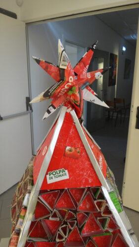 Árvore de Natal Vermelha finalizada